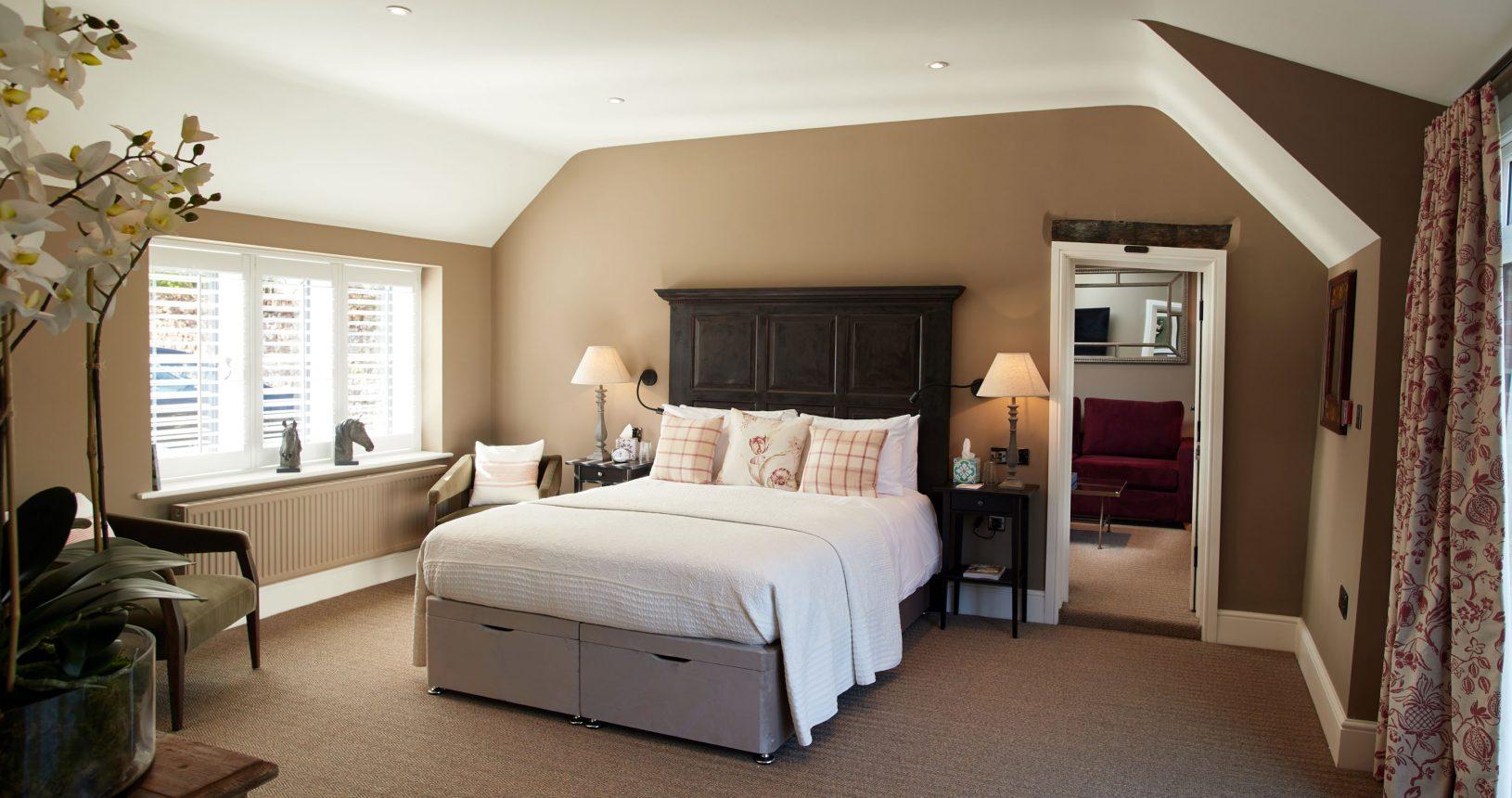 Jenkins Main suite Thornham Hotel